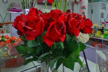 rosas artificiales para decorar sevilla